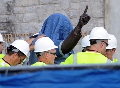 Joe Paterno Statue Shipped to Vaticn